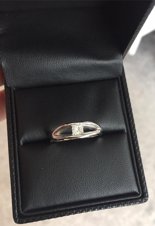 Princess cut diamond set in a palladium mount